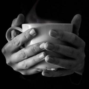 dementie en angst om alleen te zijn, eenzame kop thee